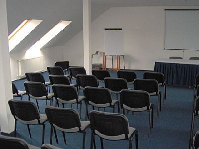 Hotel Pontis - conference room in Biatorbagy - cheap hotel in Biatorbagy