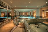 Swimming pool in Wellnesshotel Ket Korona - Balatonszarszo - Wellness packages